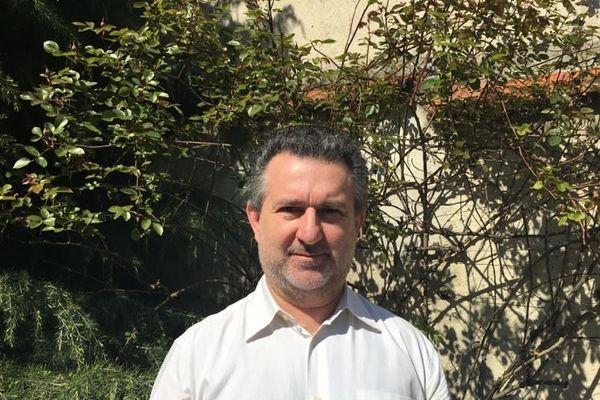 """""""C'est comme une grande élection partielle"""" explique Olivier Dupéron, politologue"""