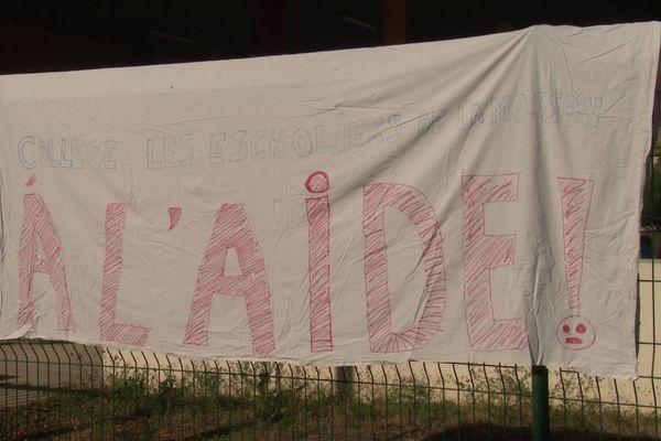 Au collège des Escholiers dans le quartier de la Mosson à Montpellier, les professeurs appellent à l'aide, ils dénoncent leurs conditions de travail - septembre 2020