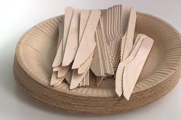 Montpellier - Désormais les commerçants doivent trouver de nouvelles alternatives au plastique comme les couverts en bois - 04.01.20