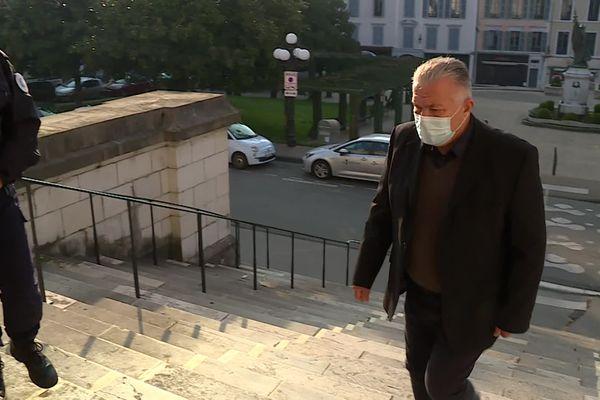 Frédéric de Chérancé arrive au palais de justice pour le 3e jour de son procès devant les assises des Pyrénées-Atlantiques. 10/03/21.