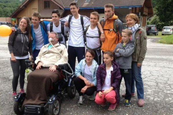 Gilles Houbart avait notamment rejoint Paris en fauteuil roulant électrique depuis la Savoie.