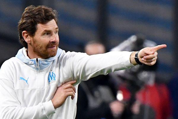 L'entraîneur portugais de l'Olympique de Marseille, André Villas-Boas, restera la saison prochaine à la tête de l'équipe française de Ligue 1.