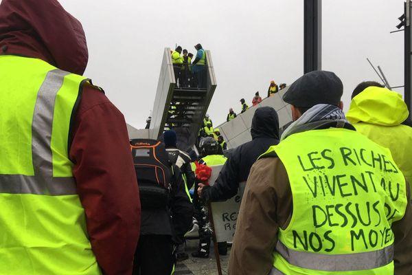 A Brest, ils sont plusieurs centaines ce samedi après-midi