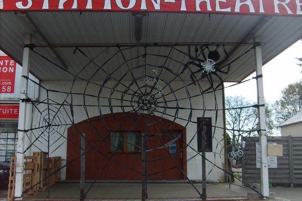 La station-théâtre à la Mézière va ouvrir ses portes une heure samedi.