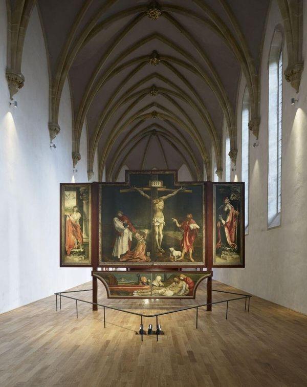 Le Retable d'Issenheim, exposé au musée Unterlinden à Colmar, est décrypté dans les podcasts du musée.
