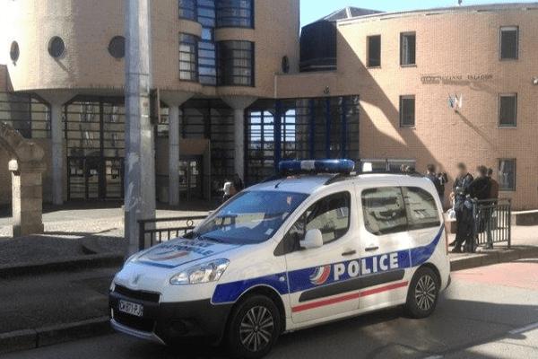 Démantèlement d'un trafic de stupéfiants aux abords du lycée Suzanne Valadon