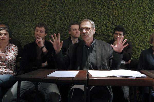 Le 23 mars 2010, l'eurodéputé Jean-Paul Besset anime une conférence de presse en présence d'Eva Joly et François de Rugy