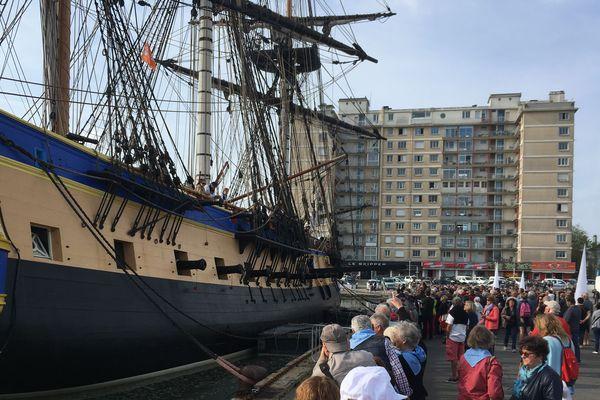 Son arrivée était très attendue à Saint Nazaire. L'Hermione est rentrée dans le sas sud à 8h30 ce jeudi 23 mai.