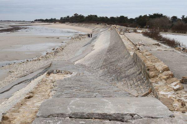 Les digues de l'île de Ré détruite par la tempête Xynthia en février 2010.