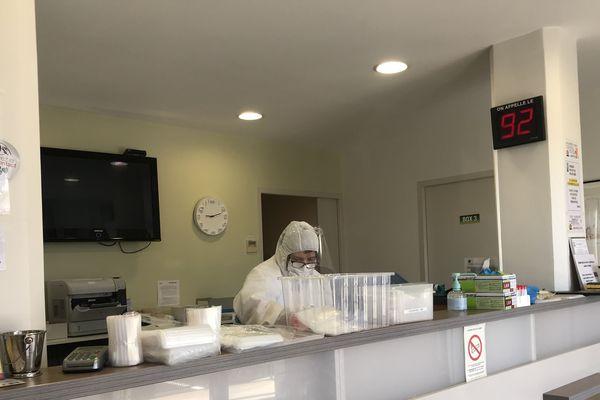 Les tests, au coeur de la lutte contre la pandémie, encore et toujours.