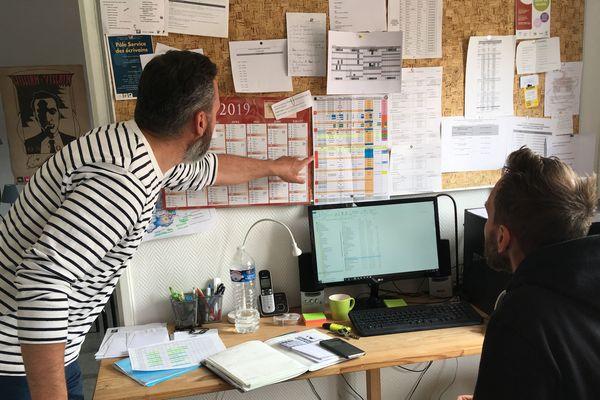 Alexis Gérard avec le responsable de l'antenne de l'association Jeep, cité des écrivains