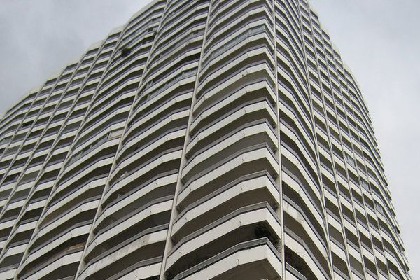 La Tour Boucry dans le 18ème arrondissement : 29 étages, ses 500 logements, et 1.500 habitants.