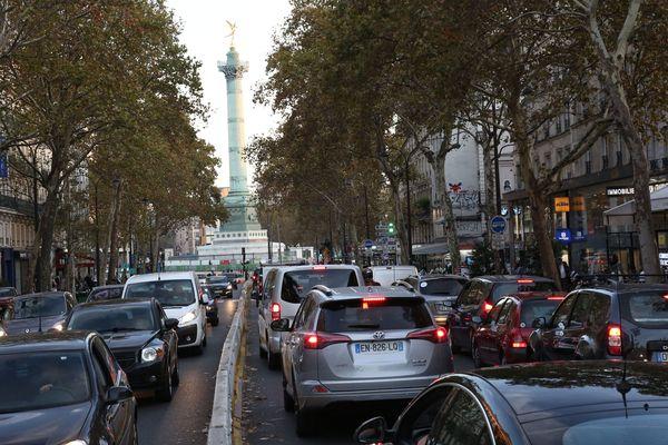Les lieux qui présentent les valeurs les plus élevées d'années de vie en bonne santé perdues du fait du bruit des transports sont les arrondissements parisiens périphériques, Versailles et les communes du Val d'Oise.