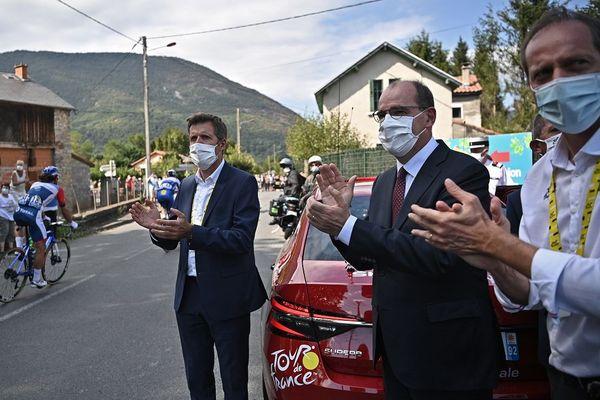 Le Premier Ministre Jean Castex à côté de Christian Prudhomme, samedi 5 septembre, à Loudenvielle.