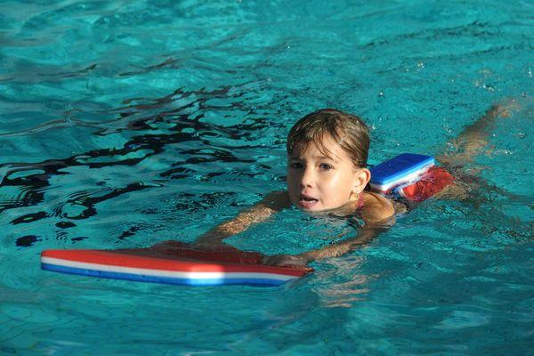 à Besançon les cours de natation pour les élèves des collèges Voltaire et Diderot, débuteront le mercredi 6 mars.