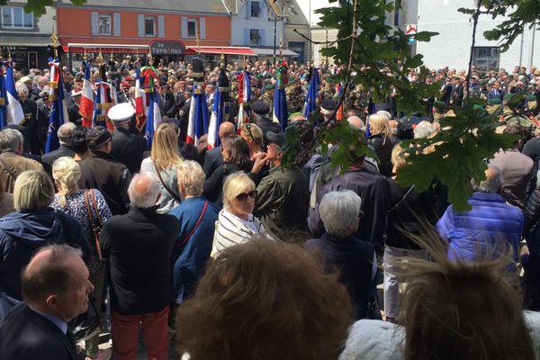 De nombreuses personnes rendent hommage à Cédric de Pierrepont à Larmor-Plage