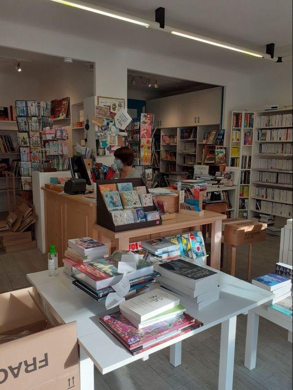 """la librairie """"Le Livre dans la Théière"""" située à Rocheservière en Vendée fait partie des 44 librairies inscrites sur le site régional de comamnde et de réservation en ligne librairies-alip.com"""