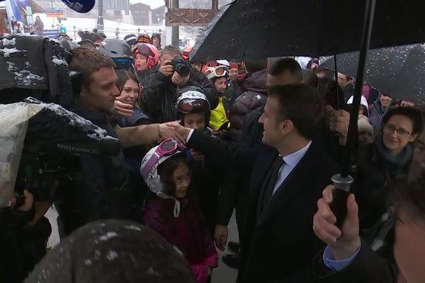 Emmanuel Macron à la sortie de la télécabine du Bettex à Saint-Gervais.