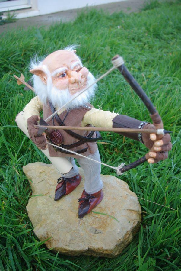 Un archer parmi les personnages imaginaires