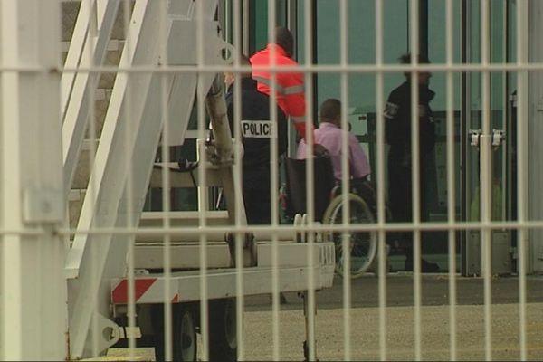 Les deux familles de réfugiés syriens ont atterri mardi matin à l'aéroport d'Aulnat, près de Clermont-Ferrand.