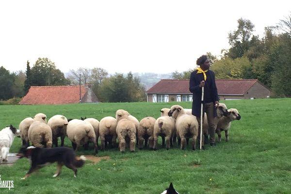 Kamini est un berger dans Les gens des Hauts
