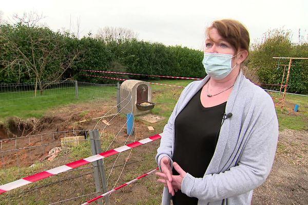 La vie de Corinne le Méteil, mère de famille, a changé après les premiers dégâts constatés dans son jardin en décembre dernier