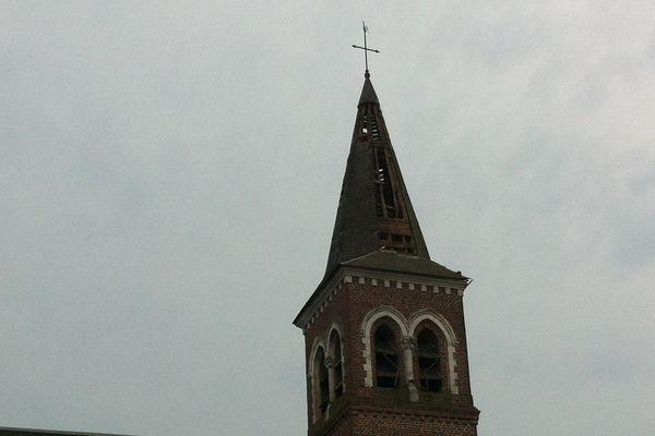 Le clocher de Croisette touché par la foudre.