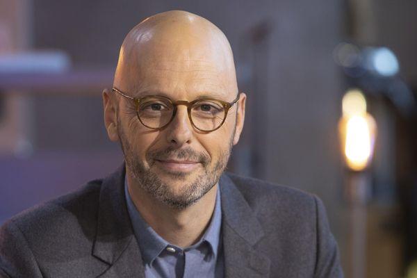 Thomas Snégaroff sur le plateau de C Politique