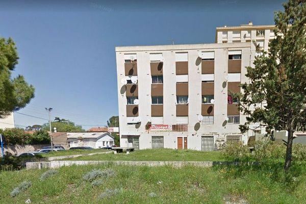 Montpellier - le lieu du braquage au rez-de-chaussée de l'immeuble - archives