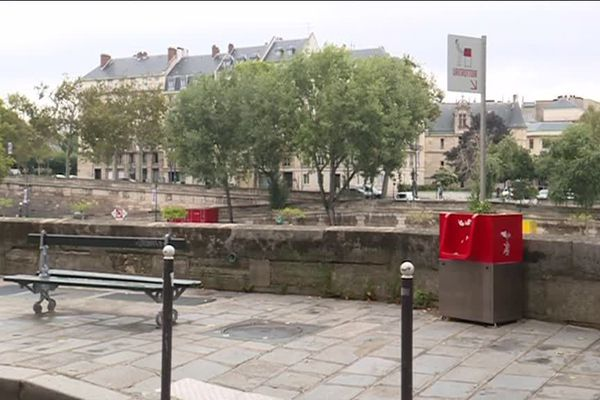 L'Uritrottoir de l'Île Saint-Louis, dans le 4ème arrondissement.