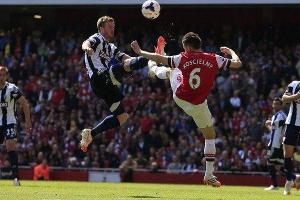 Laurent Kocsielny en contrat avec Arsenal jusqu'en 2019- Arsenal contre West Brom, 4-04-05-2014