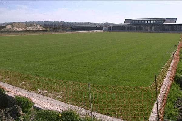 Le lawn tennis club Deauville Normandie doit ouvrir ses portes dans six semaines. C'est le premier complexe de tennis sur gazon en France