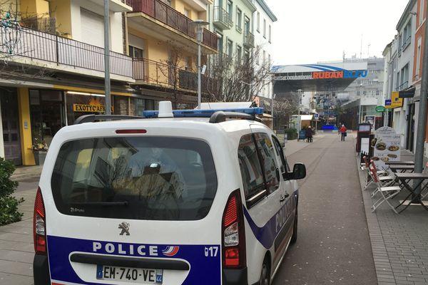 Ce sont les policiers qui ont découvert les corps des deux hommes dans deux appartements différents de la ville