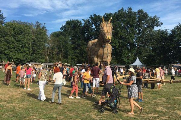 Le cheval de Troie de 6 mètres de haut, star du festival Berlioz cette année