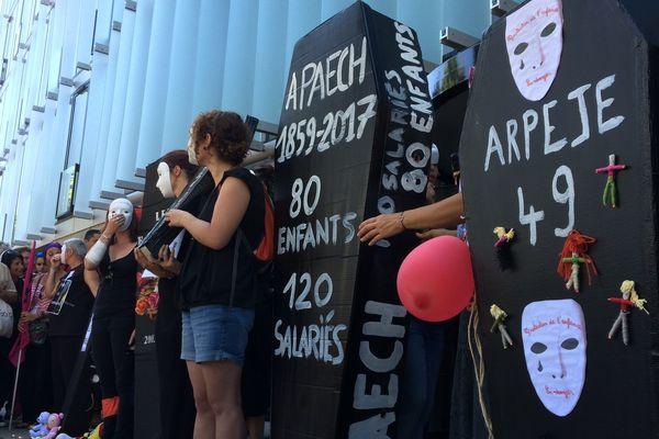 2 000 personnes étaient présentes à Angers lundi après-midi selon les organisateurs.