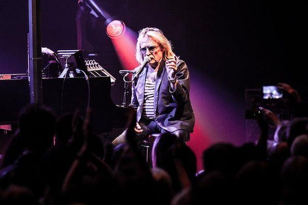 Christophe, en concert à la Belle Electrique, à Grenoble, le 29 octobre 2015.