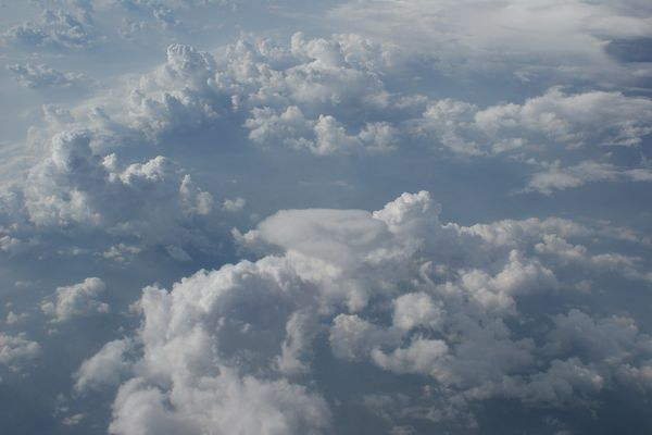 Des nuages arrivent par le sud
