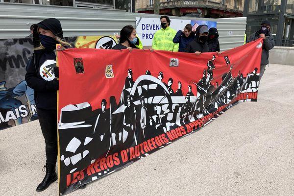 Manifestation citoyenne sur la place Simone Veil, à Nancy : le Bloc lorrain