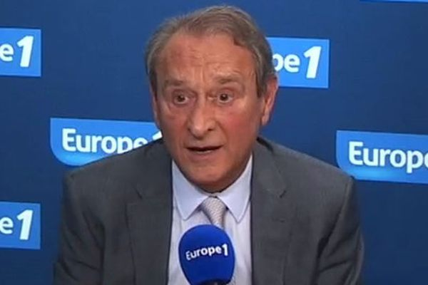 Le maire de Paris, Bertrand Delanoë, en interview sur Europe 1.