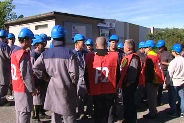 Des salariés inquiets de leur avenir ont manifesté ce matin devant l'usine