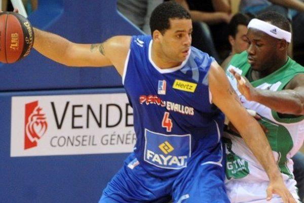 Sean May, lors de la saison 2013/2014 avec Paris-Levallois, peu de temps avant sa blessure.