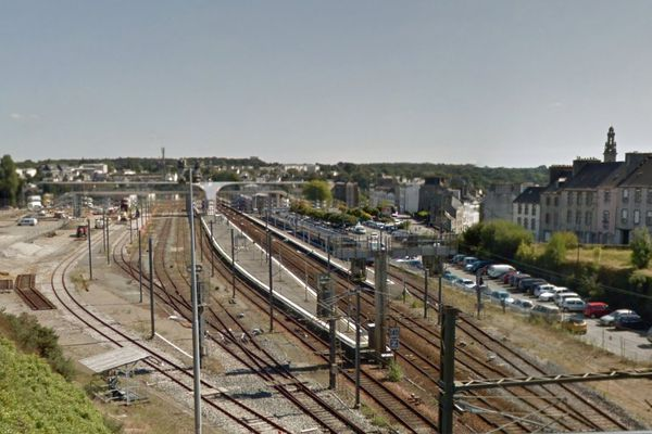 L'homme s'est électrocuté en montant sur un train en gare de Morlaix.
