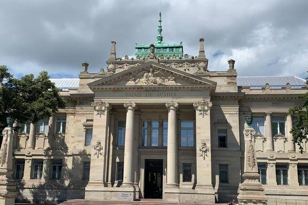 Le tribunal de Strasbourg.
