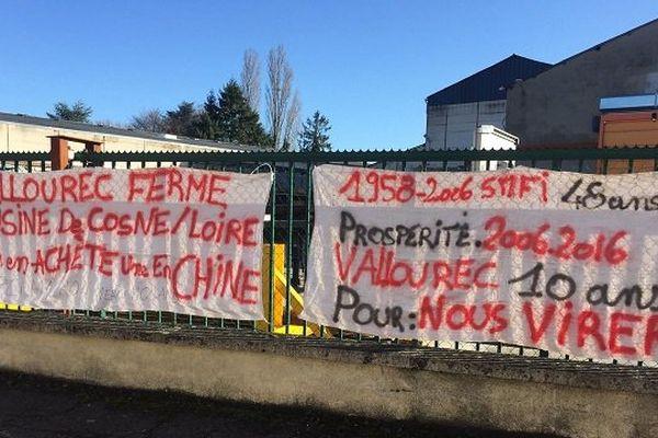 Les salariés manifestent sur le site de vallourec à Cosne-sur-Loire
