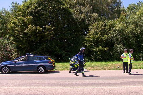 Juillet 2020 : gendarmes en opération de contrôle sur une route de Normandie