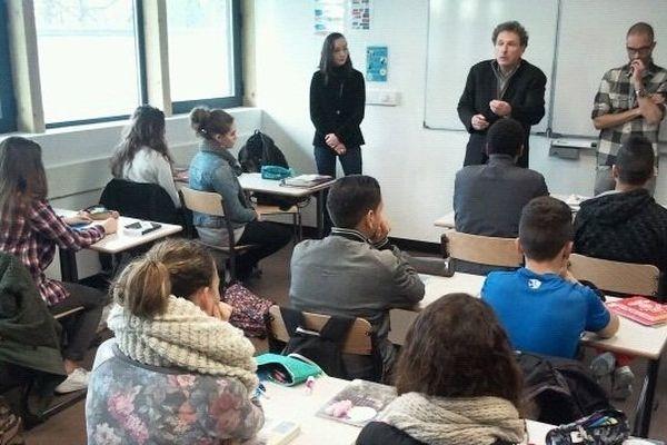 Une classe du collège Michel de Montaigne à Lormont le 08 janvier 2015