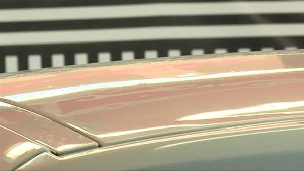 Certains toits de voiture comptent jusqu'à 1.000 impacts de grêlons