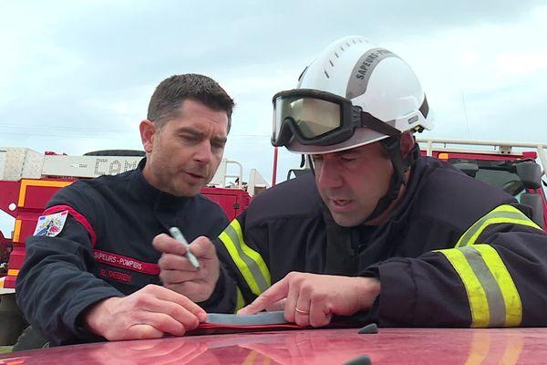 Une dizaine de pompiers se forme à devenir chef de feu de forêt - mars 2020