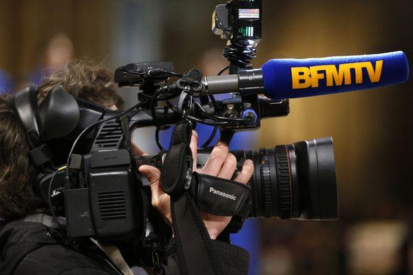 """Contrairement à leurs homologues de BMFTV, les journalistes de BFM Lyon filmeront avec des iphones, dans le cadre d'un """"nouveau modèle d'information locale""""."""