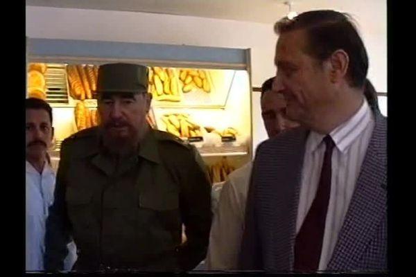C'était en 1997, images rares de Fidel Catsro lors de l'inauguration de la boulangerie industrielle de Michel Villand.